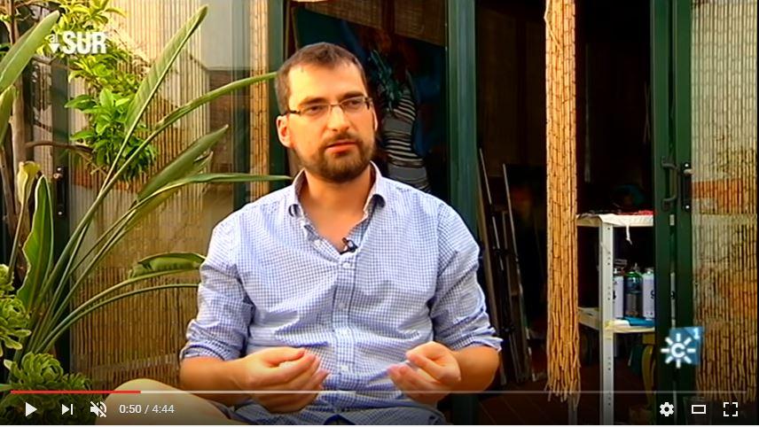 Juan Manuel Moreno Sánchez en su estudio